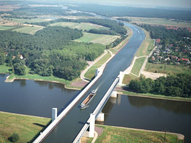 magdeburg-water-bridge-aqueduct-woe1