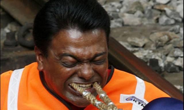 12. Rathakrishnan Velu มนุษย์ฟันเหล็ก 1