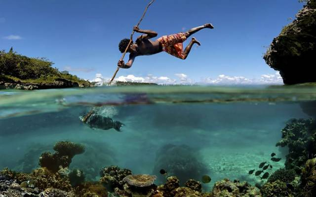 14 Traditional Fishing On The Island Of Mare In New Caledonia