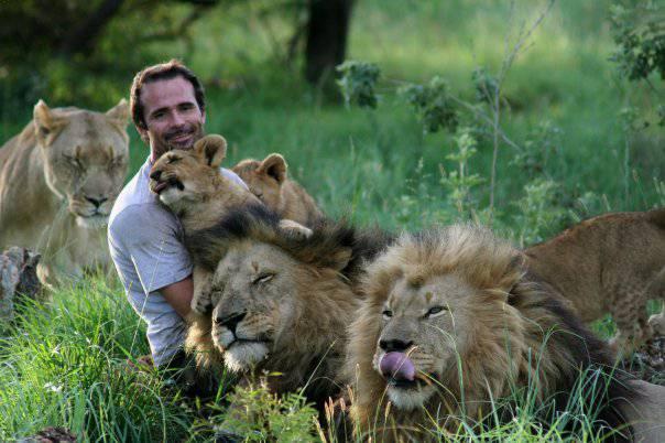 2. Kevin Richardson มนุษย์สิงโต2