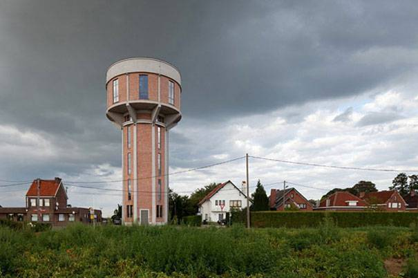 4. บ้านหลังใหม่ ดัดแปลงมาจากแท็งก์น้ำเก่า ประเทศเบลเยี่ยม