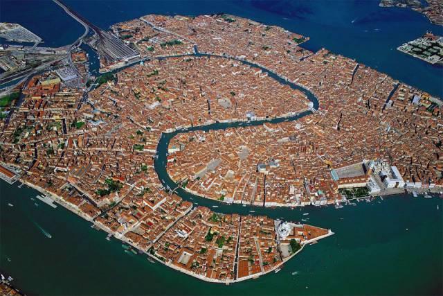 4. เมืองเวนิส ประเทศอิตาลี