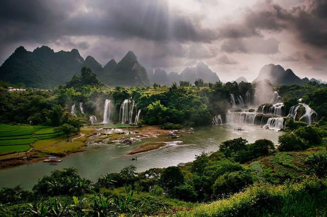 4. Detian Falls