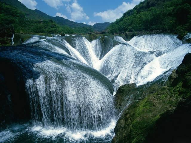 6. Pearl Shoal Waterfall, Jiuzhaigou