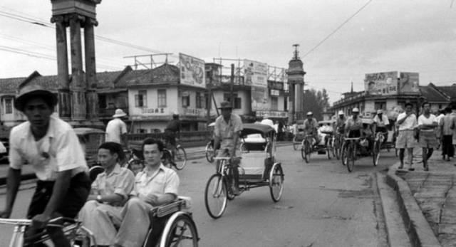 3-wheel-bike-bangkok-715x388