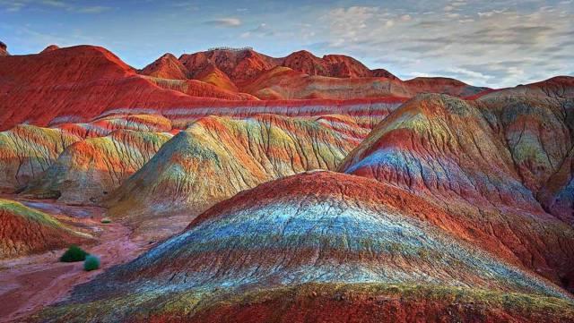 1. ภูเขาสีรุ้ง