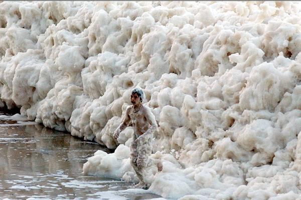 2. ปรากฏการณ์ ทะเลโฟม ( Whipping Cream Ocean )1