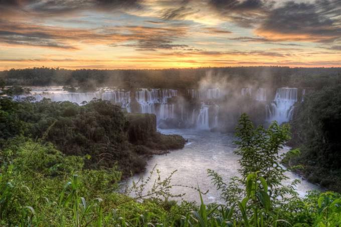 21. Iguazu Falls, ArgentinaBrazil