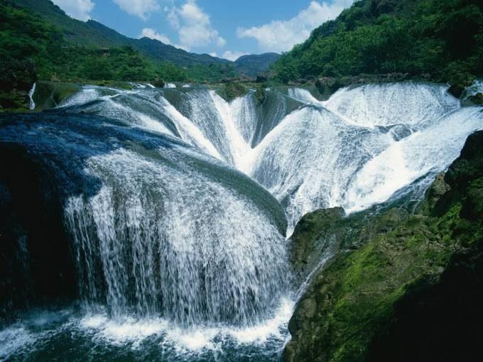 24. Yinlianzhuitan Waterfall, China