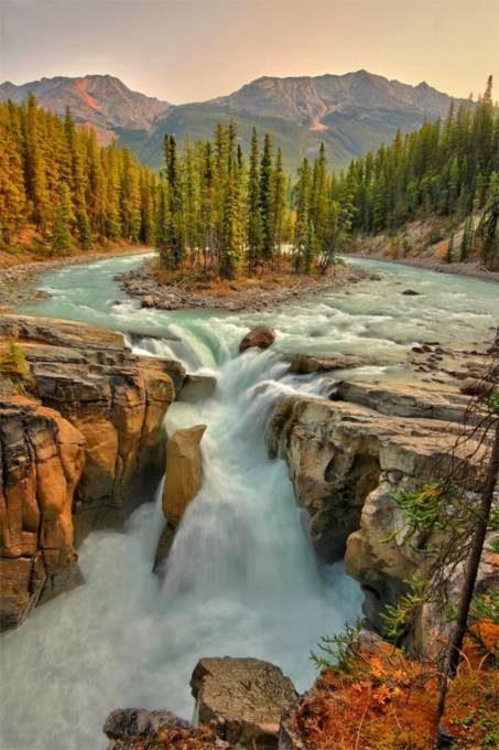 38. Sunwapta Falls, Canada