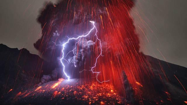 4. ปรากฏการณ์ สายฟ้าแห่งภูเขาไฟ