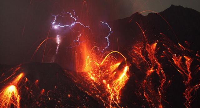 4. ปรากฏการณ์ สายฟ้าแห่งภูเขาไฟ3