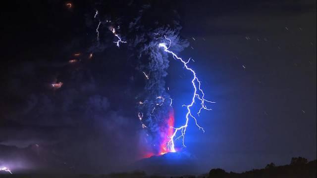 4. ปรากฏการณ์ สายฟ้าแห่งภูเขาไฟ4