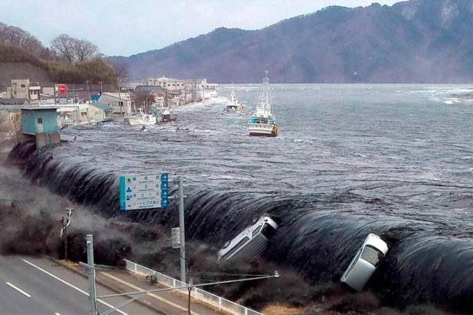 Tohoku-Earthquake_2