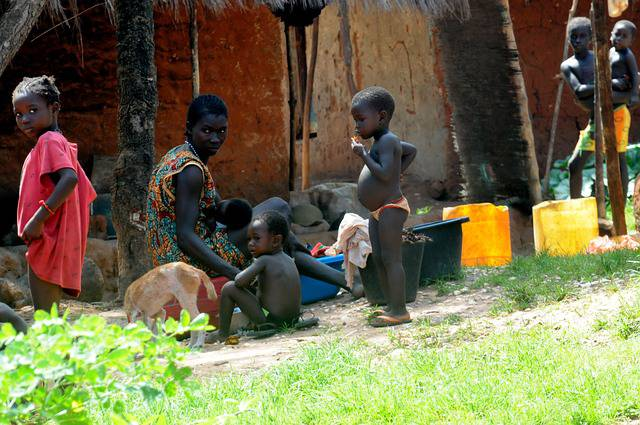 african-family-431684_640