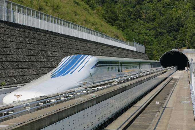 fastest-train-in-the-world-3996x2664