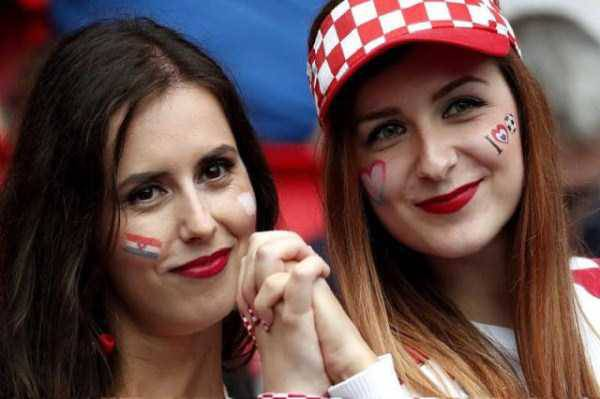 hot-euro-2016-female-fans-12