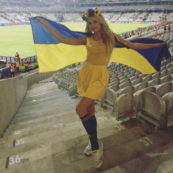 hot-euro-2016-female-fans-23
