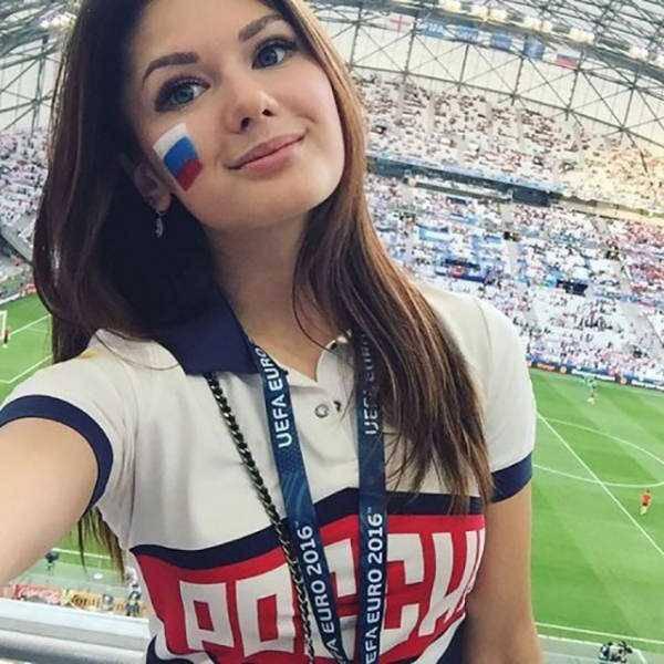 hot-euro-2016-female-fans-35