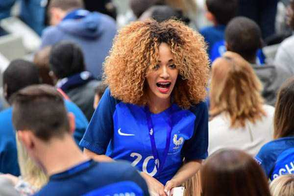hot-euro-2016-female-fans-37