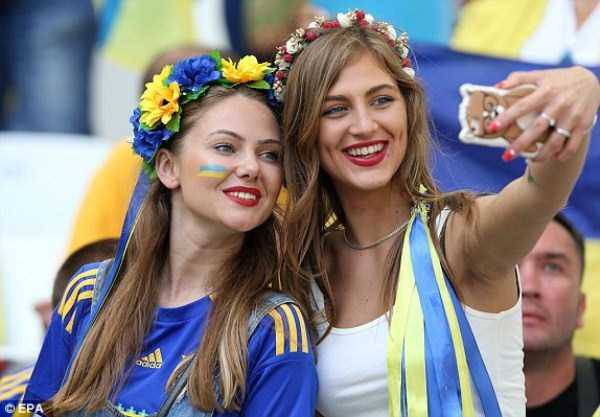 hot-euro-2016-female-fans-45