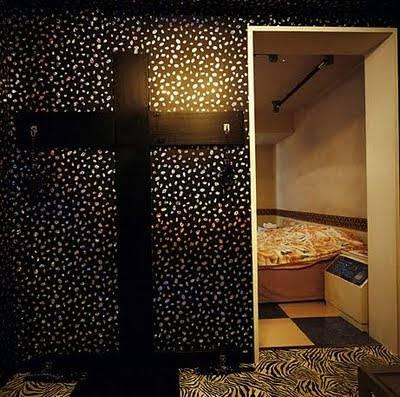 love_hotels_misty_keasler_10