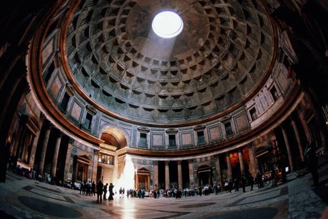 12. ชมเมืองแบบฟรีๆ กรุงโรม