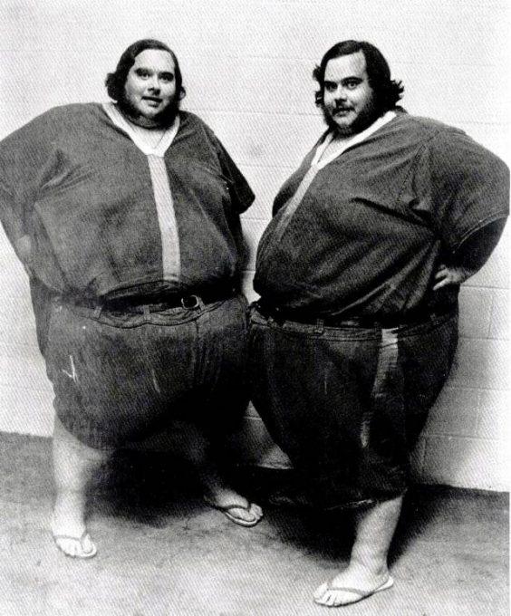 4. คู่แฝดที่หนักที่สุดในโลก1