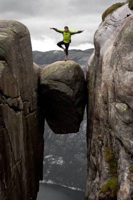 5. หิน Kjeragbolten