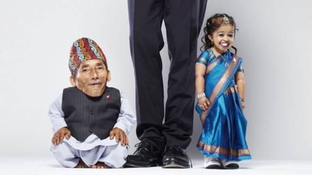7. ชายหญิงที่ตัวเล็กที่สุดในโลก