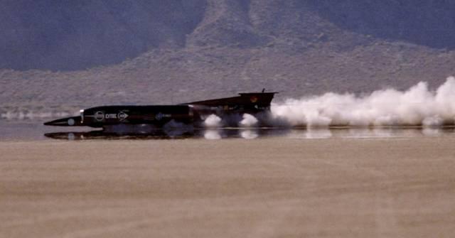 em-1997-o-thrustssc-pilotado-pelo-ingles-andy-green-atingiu-1227986-kmh-1351139798807_956x500