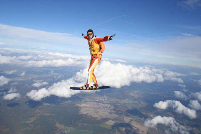 1-skysurfing