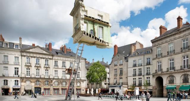 15. ห้องที่ดูเหมือนจะตั้งอยู่ได้ด้วยบันได ที่ฝรั่งเศส