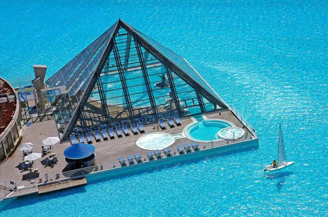 16.The pool at San Alfonso del Mar in Chile1