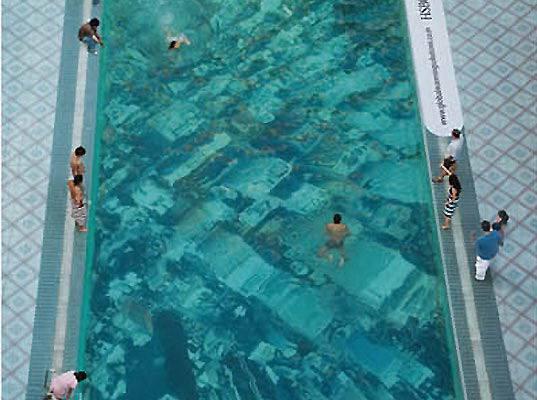 23. สระว่ายน้ำรณรงค์ลดโลกร้อนของ HSBC