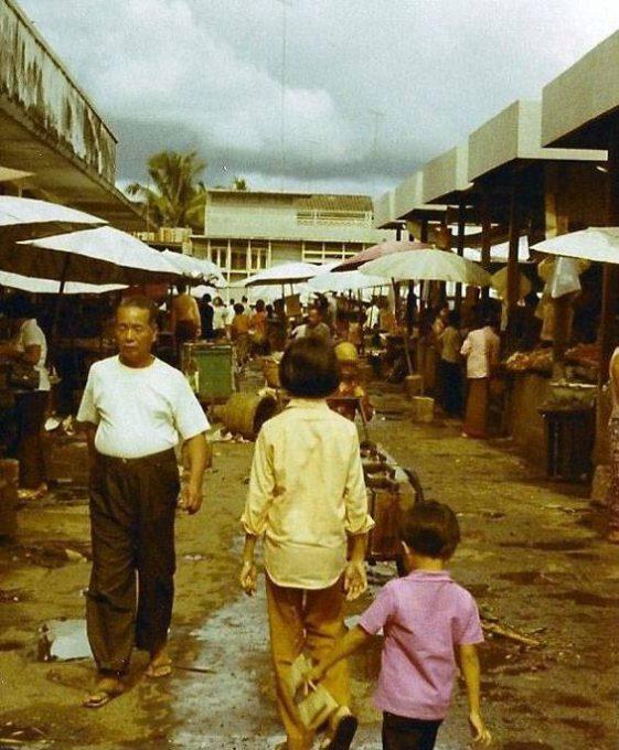 41. บรรยากาศตลาดสด ที่จังหวัดอุบลราชธานี ปี 1970