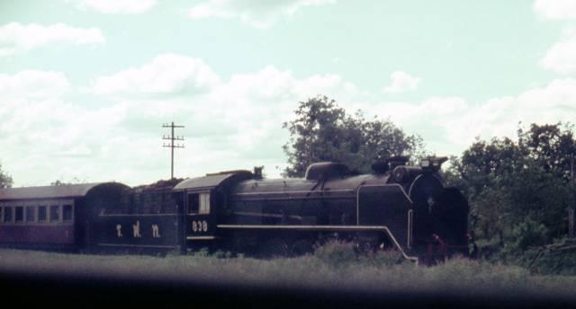 49. รถจักรไอน้ำ มิกาโด ที่วิ่งลงใต้ ปี 1970