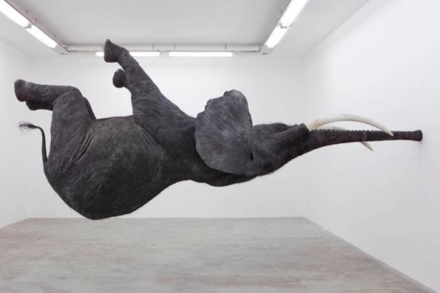 5. รูปปั้นช้างที่ดูเหมือนจะมีงวงที่แข็งแรงที่สุดในโลก