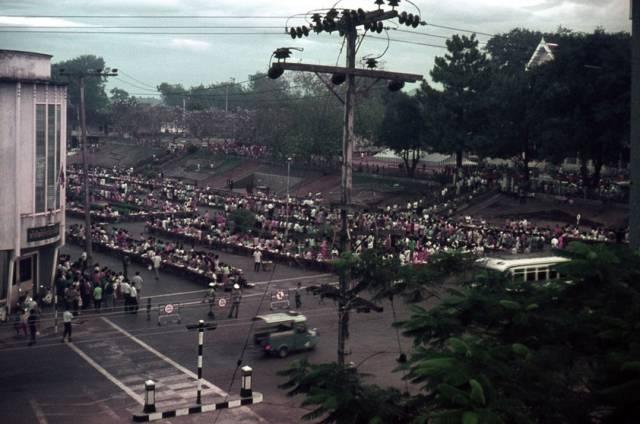 54. ตักบาตรพระ จังหวัดตรัง ปี 1970