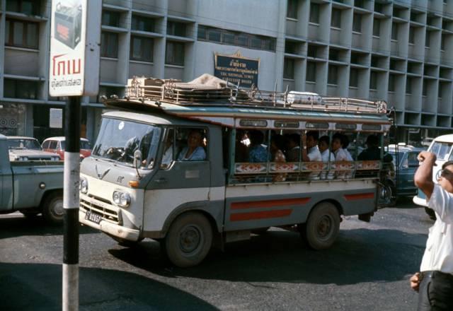 60. รถประจำทางในถนนกรุงเทพฯ ปี 1970