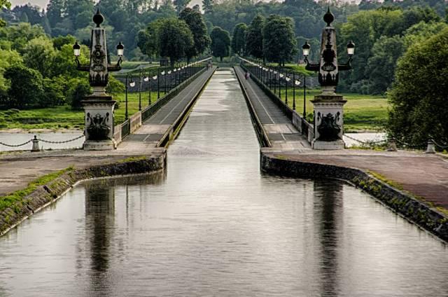 9. Briare Aqueduct ประเทศฝรั่งเศส