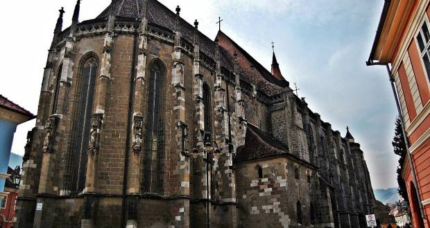 biserica-neagra-brasov4-620x330